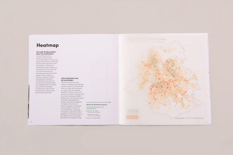Publication mise en page avec papier calque pour la visualisation graphique